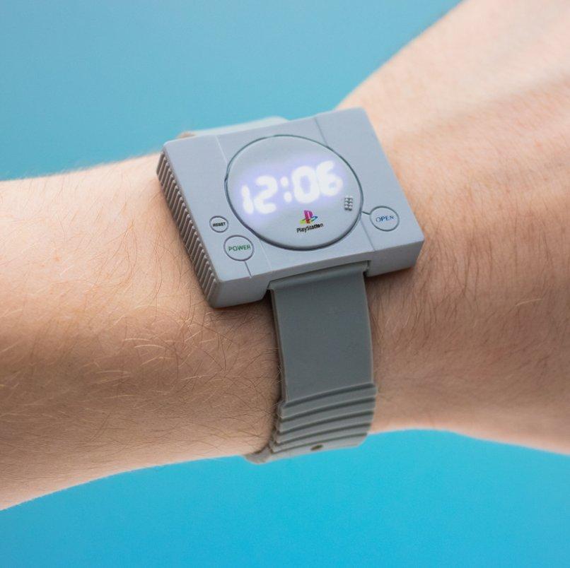 ใส่แล้วโคตรเท่จนเพื่อนต้องขอยืม นาฬิกา PlayStation ลิขสิทธิ์แท้